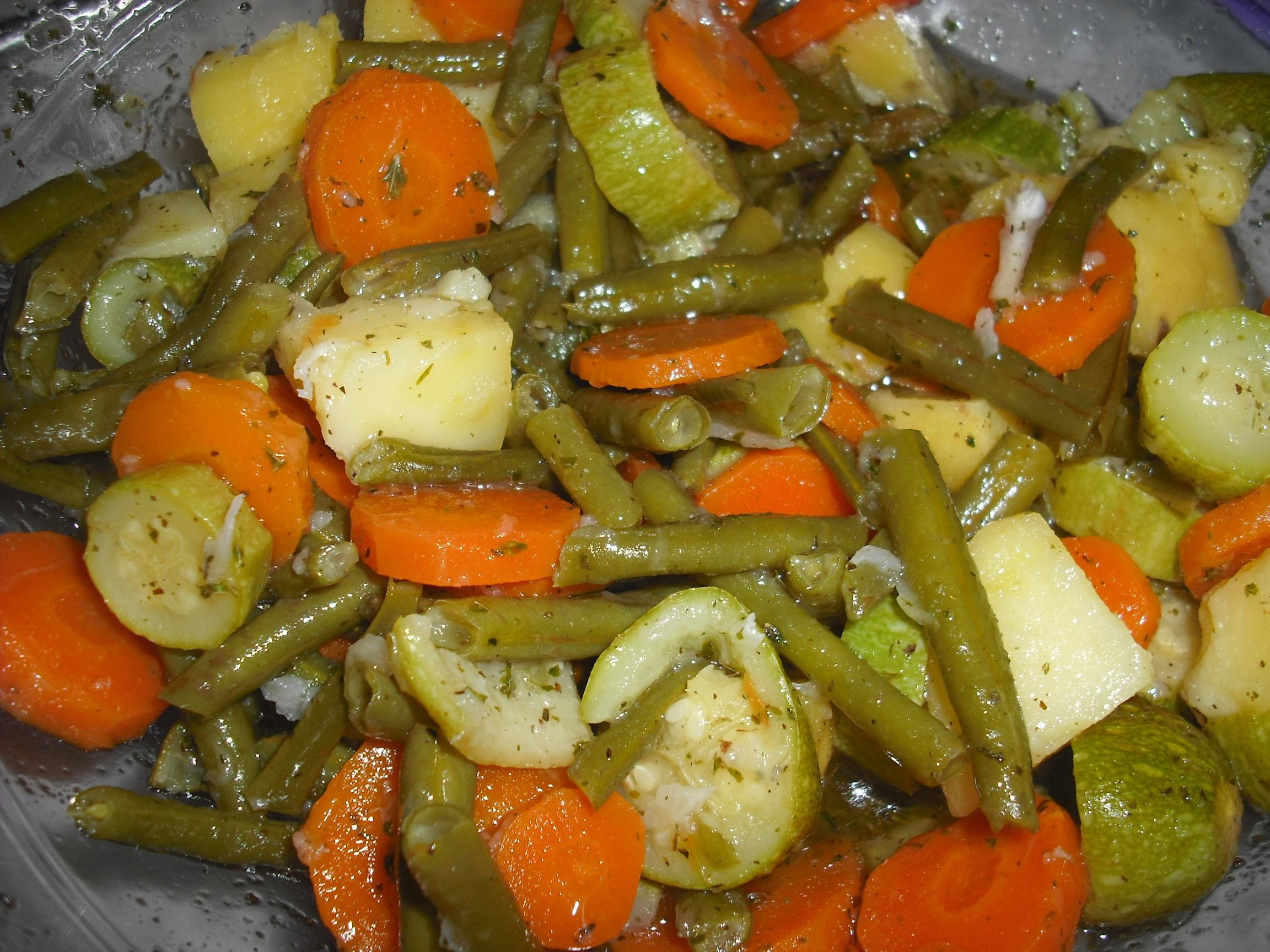 Thumbnail for Salade aux 4 légumes – سلطة خضراء مسلوقة