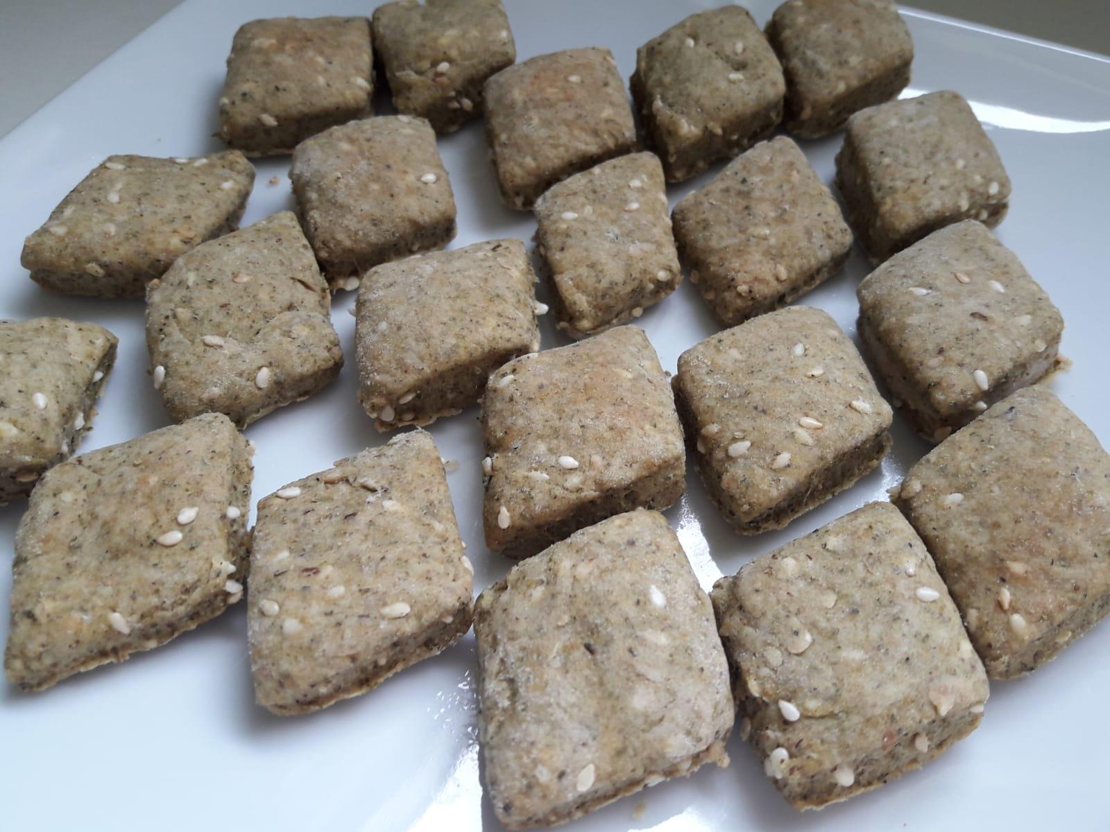 Thumbnail for Biscuits apéritifs (à l'origan) – بسكوت بالزعتر